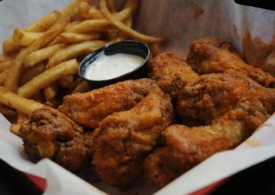 Crispy Chicken Wings with Fries and Ranch